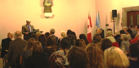 Former Senator Dallaire addresses the audience
